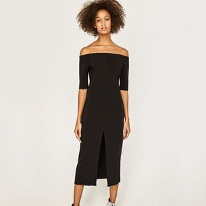 Zara • M • off shoulder midi black dress w/ slit